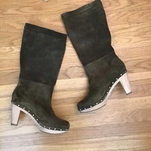 Banana Republic green suede boots 8.5